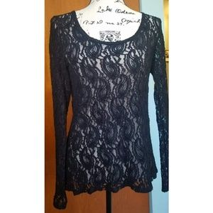 Buckle boutique long sleeve lace top